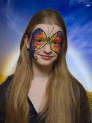 Sehr beliebtes Motiv beim Kinderschminken: Regenbogen Schmetterling